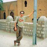 Utanför Biblioteket i Timbuktu, ett av världens äldsta. Då, i mitten av 90-talet, ett av världens minsta, visade det sig. Men jag var där. I övrigt tyckte jag nog att Timbuktu var en riktig ökenstad.